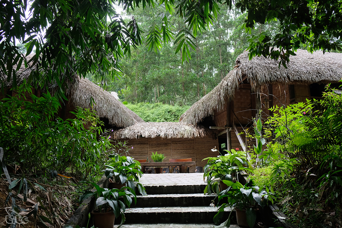 Làng nhà sàn Thái Hải có tên gọi đầy đủ là Khu bảo tồn làng nhà sàn dân tộc sinh thái Thái Hải, với diện tích khoảng 25ha. Làng nằm cách trung tâm Tp.Thái Nguyên và trung tâm Tp Sông Công khoảng 10km.